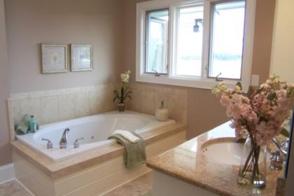 Lắp 3 bồn tắm để nhà như khách sạn, gia chủ đành đập bỏ vì ế