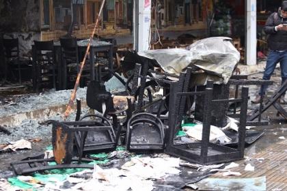 Nhà hàng ở Hà Nội cháy tan hoang sau tiếng nổ trong bếp