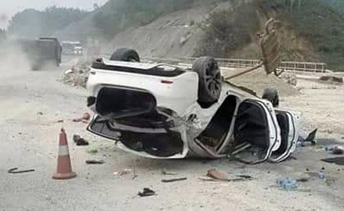 Chiếc xe bị hư hỏng nặng tai nạn nạn.Ảnh: Giàng A Chương