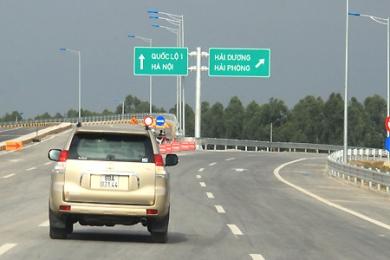 Tổng cục Đường bộ yêu cầu tăng biển chỉ dẫn để ngăn xe đi lùi trên cao tốc