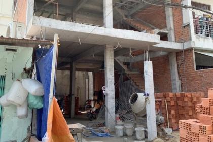Nữ công nhân 61 tuổi chấn thương sọ não khi rơi công trình ở Sài Gòn