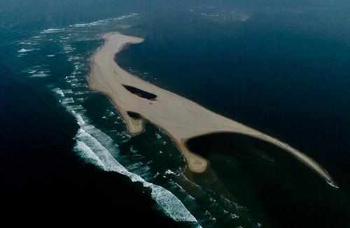 Cồn cát nhìn từ trên cao. Ảnh: Minh Hải.