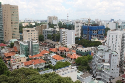 Thị trường bất động sản giảm cả cung lẫn cầu
