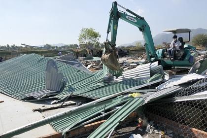 Nha Trang phá dỡ 45 căn nhà xây trái phép