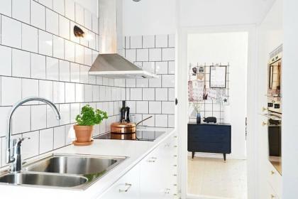 """Những căn bếp với diện tích chưa đến 10m² nhưng rộng """"thênh thang"""" và đẹp bất ngờ"""