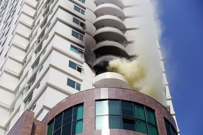 Tổ hợp khách sạn, căn hộ cao cấp ở Nha Trang bốc khói ngùn ngụt