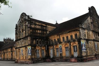 Cục Di sản: 'Nhiều hạng mục nhà thờ Bùi Chu có thể rơi xuống bất cứ lúc nào'