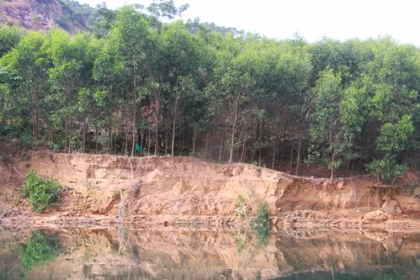 Huế tước giấy phép doanh nghiệp khai thác cát quá độ sâu cho phép
