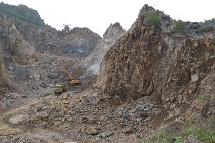 Nghệ An: Không khắc phục sai phạm, nhiều mỏ đá xây dựng ngang nhiên hoạt động trở lại