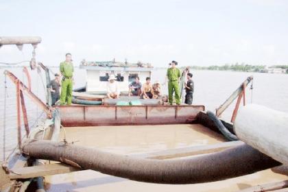 TP HCM chi 165 tỷ đồng chống 'cát tặc'