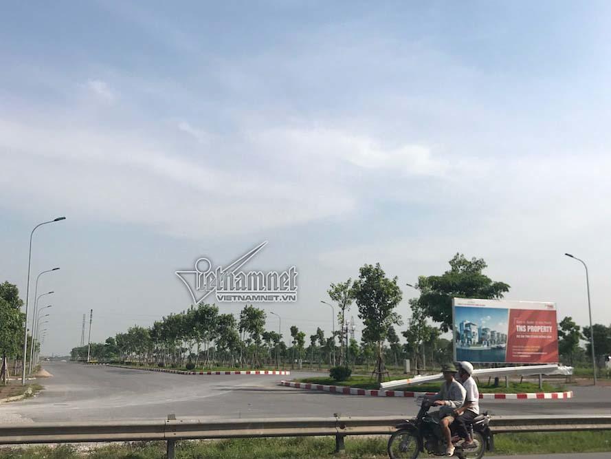 Miếng đất đầy cỏ dại 'chôn' tiền tỷ ở khu đô thị TNR Stars Đồng Văn
