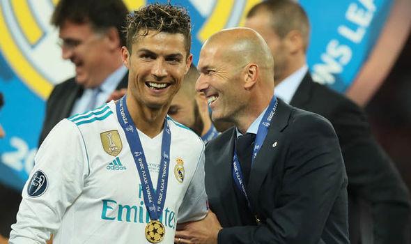 MU bán Sanchez, Real chờ Zidane, Ronaldo trở lại