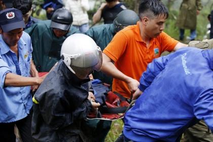 Khách du lịch Hàn Quốc tử nạn khi nhảy thác tại Đà Lạt