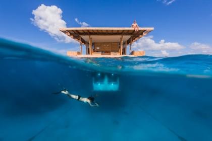 Khách sạn nửa nổi nửa chìm kỳ lạ giữa biển ở châu Phi