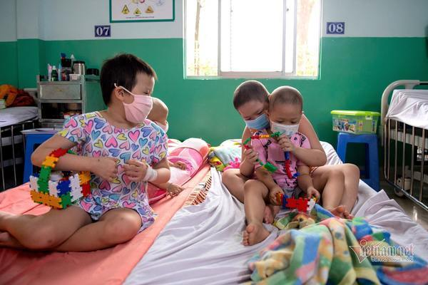 Lý do Việt Nam chưa tiêm vắc xin Covid-19 cho trẻ em ở thời điểm hiện tại