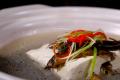 Nhật Bản có 1 món ăn đầy tai tiếng, cách tạo ra món ăn khiến thực khách phải rùng mình