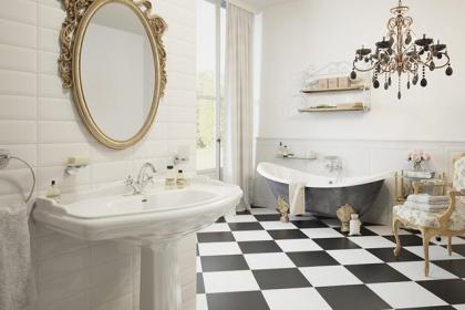 Đèn chùm – món đồ hữu dụng biến phòng tắm gia đình trông vừa đẹp vừa sang trong phút chốc