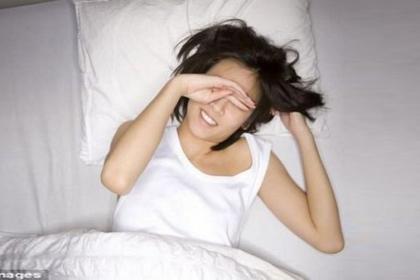 Cô gái 23 tuổi đột nhiên bị mù khi ngủ dậy vì căn bệnh nhiều người mắc hiện nay