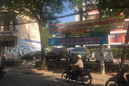 Tây Hồ (Hà Nội): UBND phường Thụy Khuê nói gì về bãi gửi xe không phép trước cổng trường Chu Văn An?