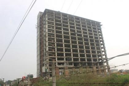 Công trình nhà ở sinh viên gần 600 tỷ đồng xây dựng dang dở, bỏ hoang