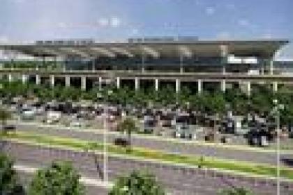 Dùng ODA không hoàn lại của Pháp để mở rộng sân bay Nội Bài đang quá tải