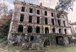 11 tòa nhà xa xỉ từng phục vụ giới thượng lưu nhưng bị bỏ hoang