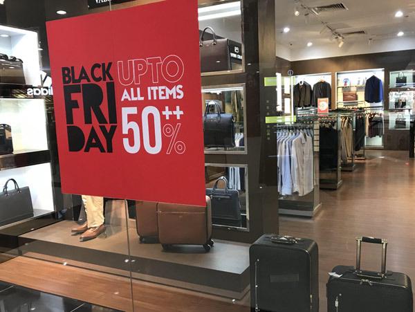 Thảm cảnh năm nay, Black Friday giảm 80% vẫn ngồi không đợi khách - Ảnh 4.