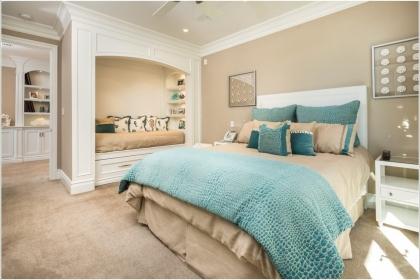 15 cách sáng tạo trang trí tường phòng ngủ cho bạn