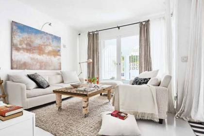"""10 phòng khách nhỏ nhưng đẹp và vô cùng ấm cúng khiến bạn """"yêu từ cái nhìn đầu tiên"""""""