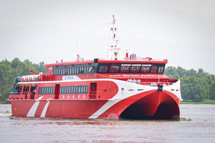 Tàu cao tốc Trưng Trắc tại khu vực bến Ninh Kiều, Cần Thơ. Ảnh: Phạm Trung